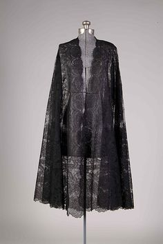 Evening cape Callot Soeurs  (French, active 1895–1937) Designer: Madame Marie Gerber (French) Date: winter 1924–25 Culture: French Accession Number: 2009.300.7281