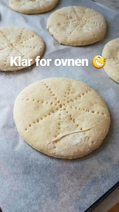 Savoury Baking, Bread Baking, Norwegian Food, Norwegian Recipes, Bread Machine Recipes, No Bake Treats, Tasty Dishes, No Bake Cake, Street Food