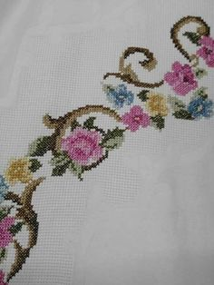 This Pin was discovered by Lal Cross Stitch Patterns, Diy And Crafts, Crochet, Floral, Istanbul, Palestine, Relax, Ideas, Letters With Flowers