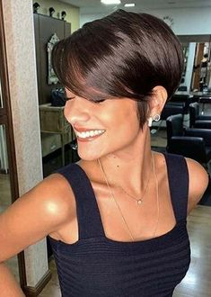 Chic And Stylish Looking Messy Hairstyles For Short Hair - Best Pixie Cuts Short Pixie Haircuts, Short Hairstyles For Women, Short Hair Cuts, Short Hair Styles, Long Pixie Cuts, Red Pixie Cuts, Chic Short Hair, Pixie Haircut Styles, Girl Haircuts