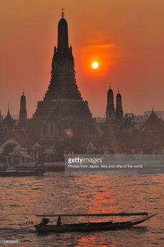 Sunset at Wat Arun in Bangkok of Thailand