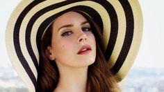 Cantora Lana Del Rey é eleita a Mulher do Ano