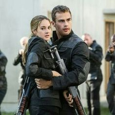 Sooooo Protective it sooooo SEXY!! #FourTris