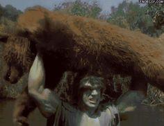 Lou Ferrigno interpretando al increíble Hulk - años '70.gif (442×341)