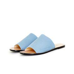 Note Sandal Ocean by Terhi Pölkki