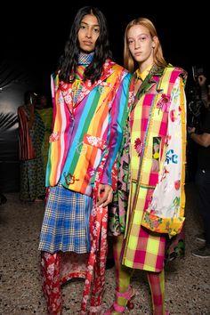 Shuting Qiu at Milan Fashion Week Spring 2020 - Backstage Runway Photos World Of Fashion, Fashion Show, Fashion Outfits, Milan Fashion, Fashion Trends, Cool Jackets, Minimal Chic, Cute Designs, Playground