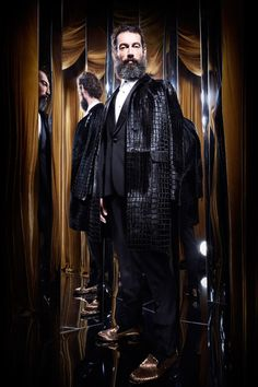 Roberto Cavalli Fall-Winter Men's Collection Male Models Poses, Beard Model, Ladies Of London, Club Style, Well Dressed Men, Mens Outfitters, Good Looking Men, Men's Collection, Roberto Cavalli