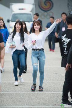 Jihyo & Momo