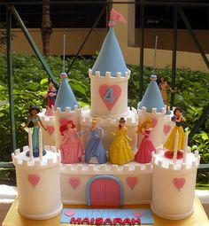 Disney Princess Cake and Cupcake Supplies Castle Birthday Cakes, 4th Birthday Cakes, Castle Cakes, Fairy Castle Cake, Birthday Ideas, Disney Castle Cake, Disney Cakes, Bolo Minnie, Cake Drawing