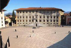 Piazza dei Cavalieri ospita la #Normale. #pisa