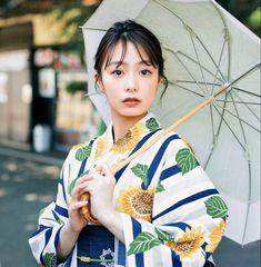 Japanese Kimono, Japanese Girl, Female Pose Reference, Japanese Outfits, Female Poses, Yukata, Asian Beauty, Cute Girls, Harajuku