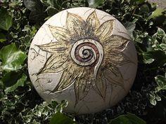 GartenKugel Schmuckkugel SonnenSpirale Handarbeit von Elfenflüstern ® auf DaWanda.com