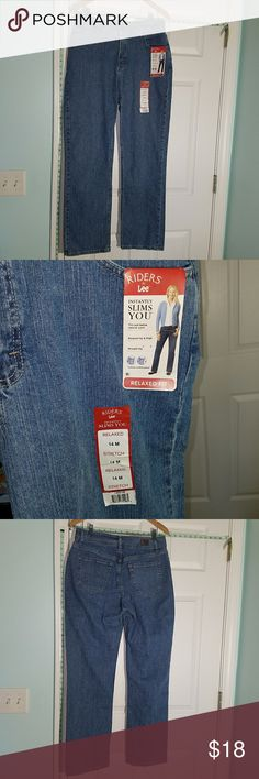 Nwt Lee Jeans These jeans are in perfect condition. They stretch a little. Lee Jeans