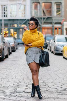 ideas fashion portfolio ideas photography inspiration for 2019 Blogger Poses Photography, Fashion Photography Poses, Fashion Poses, Nyc Fashion, Editorial Fashion, Trendy Fashion, Girl Fashion, Photography Portraits, Fashion Blogs
