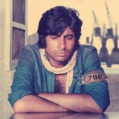 Bollywood Posters, Bollywood Cinema, Bollywood Actors, Bollywood Celebrities, Vintage Bollywood, Indian Bollywood, Hindi Actress, South Indian Film, Amitabh Bachchan