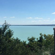 Best lake ever 💙 . . #balaton #lake #lakebalaton #summer #travel #traveler #holiday #vacay #sailing #lifestyle #magic #magicalplace #beautiful #cool #europe #mood #style #inspo #view #landscape #mytinyatlas