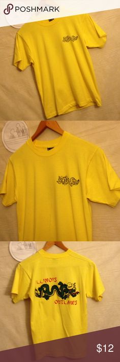 Illinois outlaws dragon yellow t-shirt size M Used shirt with no holes, rips or tears, has small discoloration shipping from smoke free environment, thank you.  SKU 120316.001.00Y fruit of the loom best Shirts Tees - Short Sleeve