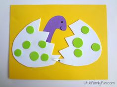 Little Family Fun: Hatching Dinosaur Egg Craft Dinosaur Art Projects, Toddler Art Projects, Dinosaur Crafts, Toddler Crafts, Baby Crafts, Preschool Arts And Crafts, Kindergarten Crafts, Daycare Crafts, Fun Crafts For Kids