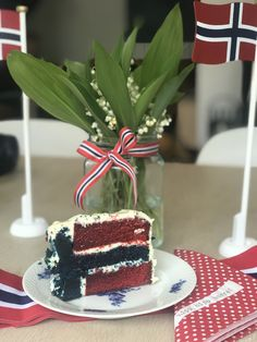 Flaggkake og liljekonvall 17.mai 2019 Cake, Desserts, Food, Tailgate Desserts, Deserts, Kuchen, Essen, Postres, Meals