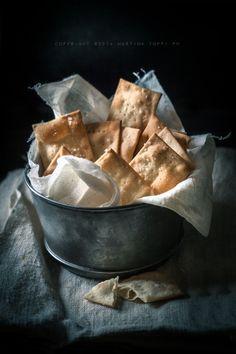 Cracker salati in superficie senza lievito