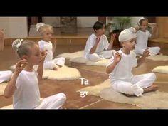 Yoga, meditación y música para niños - Snatam Kaur - YouTube