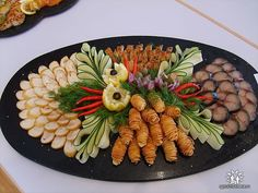 The idea of slicing Party Trays, Party Platters, Food Platters, Christmas Buffet, Sandwiches, Meat Platter, Cold Cuts, Edible Art, Culinary Arts