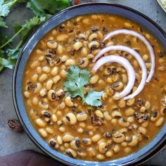 Get a delicious dinner on the table in less than 30 minutes with this Instant Pot Black Eyed Peas Curry (Punjabi Lobia Curry), Punjabi-Style Lobia Recipe Spinach Mac And Cheese, Macaroni Cheese, Mac Cheese, Paneer Recipes, Indian Food Recipes, Ethnic Recipes, Filipino Recipes, Pea Recipes, Curry Recipes