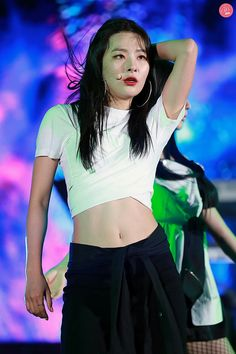 Red Velvet's Seulgi has some of the hottest, toned abs among female idols, and she doesn't seem to mind showing them off to her adoring fans. Kpop Girl Groups, Korean Girl Groups, Kpop Girls, K Pop, Red Velvet Cheesecake, Kang Seulgi, Red Velvet Seulgi, Korean Celebrities, Famous Celebrities
