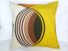 ~*FANTASTIC Vintage 60s Design Yellow Cushion Cover~* £12.99
