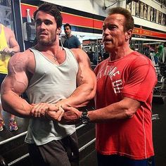Father & son... @calumvonmoger & @schwarzenegger Strong Lift Wear- Gym Wear for Lifters. #strongliftwear #workout #gym #gymwear #abs #bodybuilder #beast #diet #bodybuliding
