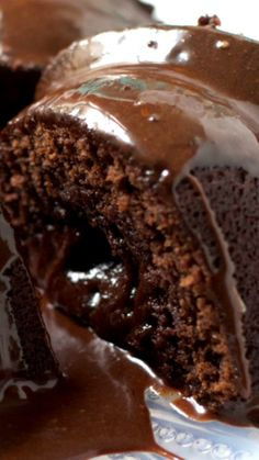 Fudgy Chocolate Bundt Cake: Rich and delicious with a dense brownie-like outer layer and a gooey molten center. Topped with a bonus chocolate glaze, this whole recipe is out of this world! Beaux Desserts, Just Desserts, Delicious Desserts, Food Cakes, Cupcake Cakes, Cupcakes, Bunt Cakes, Lava Cakes, Chocolate Glaze