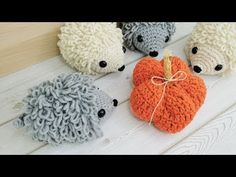 Crochet hedgehog pattern - Make a simple and cute hedgehog with the loop stitches. Crochet Amigurumi Free Patterns, All Free Crochet, Love Crochet, Double Crochet, Crochet Hooks, Crochet Monkey, Single Crochet, Crochet Hedgehog, Whale Pattern