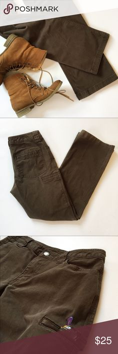 """Duluth Trading Co. Work Pants Get ready for spring lawn work, hiking the trails, camping or any fun outdoor activity in these amazing rugged Duluth Trading Co. Fire Hose work pants in the perfect brownish-green color. Lots of pockets for essentials and the front pockets are nice and deep. Excellent pre-loved condition, no flaws.  Pet free/Smoke free.   Measurements laying flat: •Waist 15"""" •Inseam 29"""" •Rise 8"""" •Leg opening 8.75"""" (boot cut) Duluth Trading Co. Pants"""
