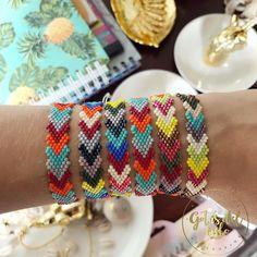 Beaded Cuff Bracelet, Beaded Bracelet Patterns, Woven Bracelets, Beading Patterns, Seed Bead Jewelry, Bead Jewellery, Beaded Jewelry, Seed Bead Bracelets Tutorials, Girls Jewelry