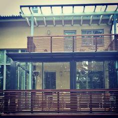 Talon tyyliin ennen kaikkea #lasiterassi #investointi #kesähuone Pergola, Instagram Posts, Outdoor Pergola