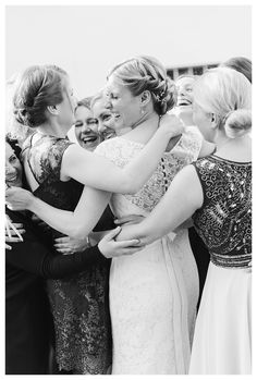 Group Shoot, Bridesmaids, Photo Ideas, Wedding, Accessoires, Bridal, Photo by www.daniela-porwol.de Wedding Bridesmaids, Wedding Dresses, Spring Wedding, Flower Girl Dresses, Wedding Photography, Bridal, Couple Photos, Photo Ideas, Group