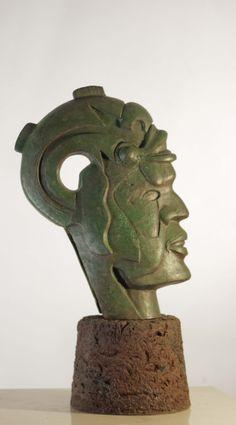 Cabeza Tolteca Escultura autoctona Escultor Salvador Andrade Valdivia