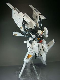 MG Strike Gundam Custom Build by Asian The modeler named it Advanced F Gundam, I really like the looks and features of this customi. Gundam Toys, Gundam Art, Japanese Robot, Strike Gundam, Gundam Astray, Pixel Animation, Gundam Mobile Suit, Arte Robot, Frame Arms Girl