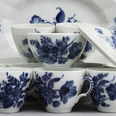 Royal Copenhagen, Blue Flower