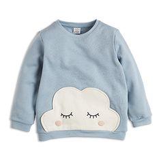Tämän mukavan collegepuseron valkoinen, leikkisä pilvi piristää pilvisenäkin päivänä.