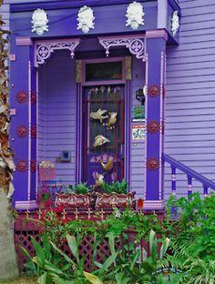 classically hippie house,