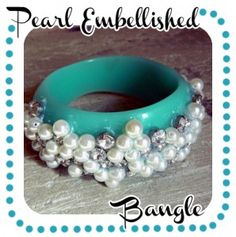 How to make a recyled jewelry bangle · Recycled Crafts |