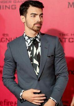 Joe Jonas, @Sarah Page holla at cho boiiiii!