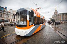 Новый уральский трамвай отправили на испытания. Он должен перевозить больше чем обычно