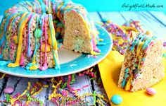 Just WOW. Rice krispie bundt ring with candy melt drizzle #ricekrispies #candymelts #wilton