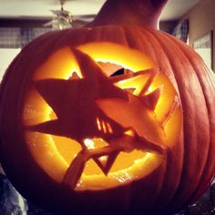 James shows us his pumpkin carving skills with his #Sharkoween pumpkin.