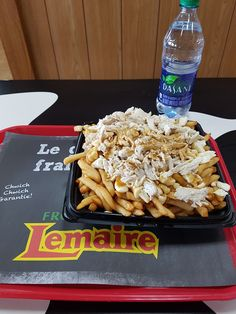 Fromagerie Lemaire, Saint-Germain-de-Grantham  Sortie 170 de l'autoroute 20 (Québec) Poutine Poulet  2/5 Poutine, Lemaire, Saint Germain, Cereal, Restaurant, Breakfast, Food, Cheese Plant, Chicken