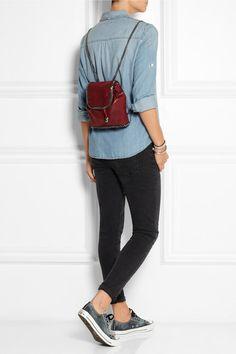 denim shirt, blk skinnies, sneaks and backpack