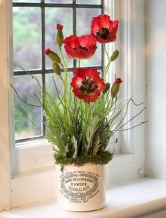 Love this arrangement using old marmalade crock!