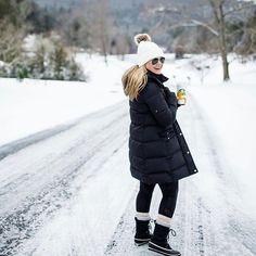 Snow day outfit, snow fashion и winter. Snow Outfits For Women, Winter Boots Outfits, Winter Snow Boots, Winter Wear, Autumn Winter Fashion, Cool Outfits, Clothes For Women, Mens Winter, Outfits 2016